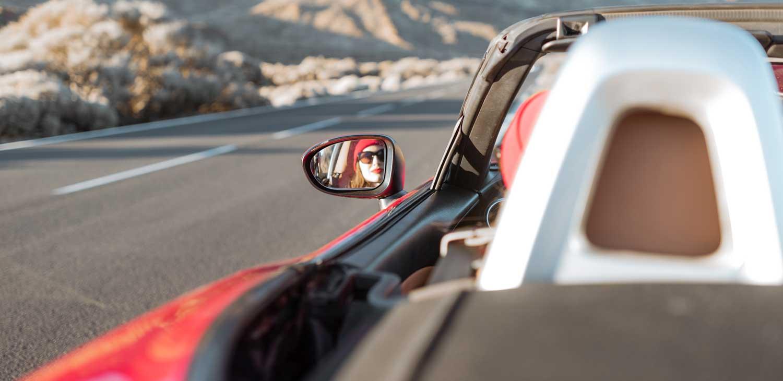Erinnerungen sammeln bei einem Roadtrip im Cabrio mit dem ViveLaCar Auto-Abo.